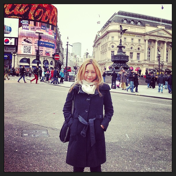Guess who's in London Town!!! #england #travel #piccadillycircus