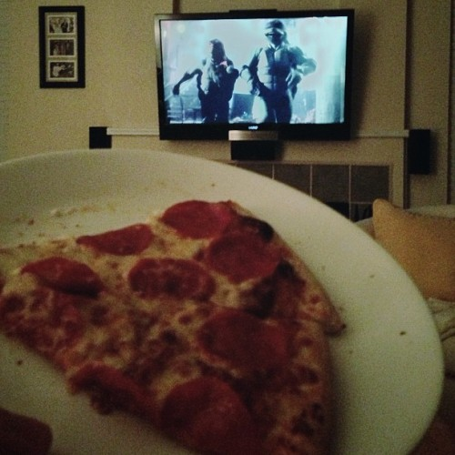 Pizza and Teenage Mutant Ninja Turtles. Perfect combo. TOTALLY holds up! #pizza #tmnt #teenagemutantninjaturtles #ninjaturtles