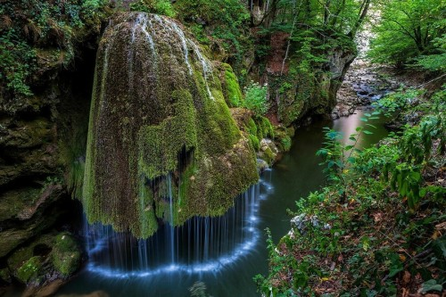 """sixpenceee: """"  Bigar Waterfall   Bigar Waterfall is one of the most famous and beautiful waterfalls in the world. It can be found in Oravita, a city in Caras Severin county and it attracts numerous tourists thanks to its unique appearance. It looks..."""