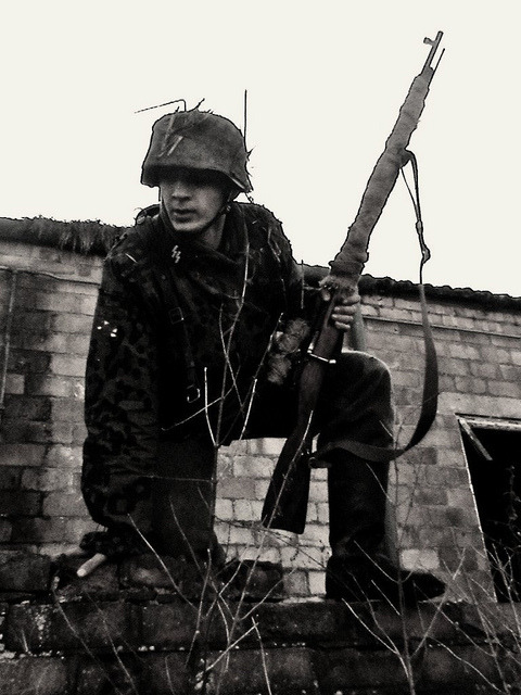 obuswolf:  Waffen SS sniper with a scoped Kar98k  Obuswolf you may want to brush up on what a K98 looks like, because this is not one.