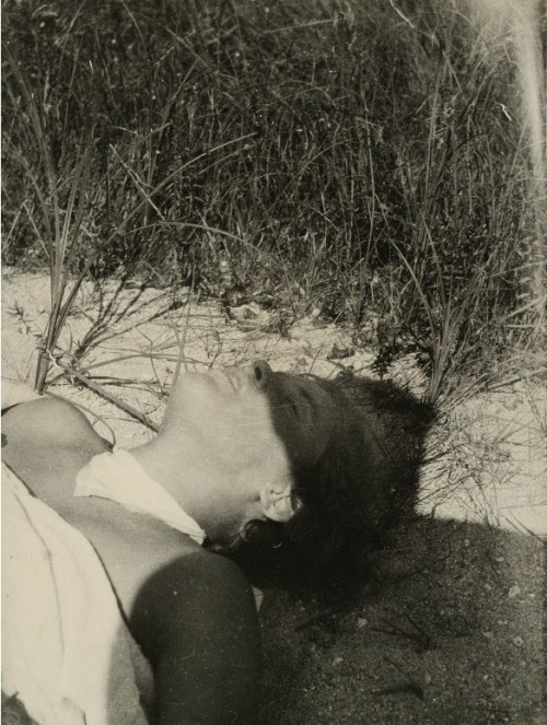 regardintemporel:  László Moholy-Nagy - The first hour of the hot sun, 1928