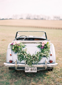(via Elegant Wedding Ideas | Ranch Elegant Wedding Ideas | Elegant Outdoor Wedding)