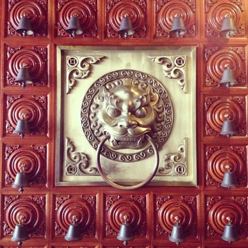 #luxemanor 's door. #beautiful #hk (at The Luxe Manor 帝樂文娜公館)