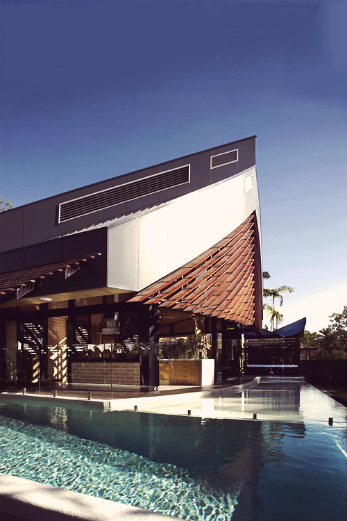 wormatronic:  Pool and Bar | Source | More