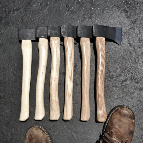 frostinhisbones:  Now that's a heck of a cool groomsman gift.