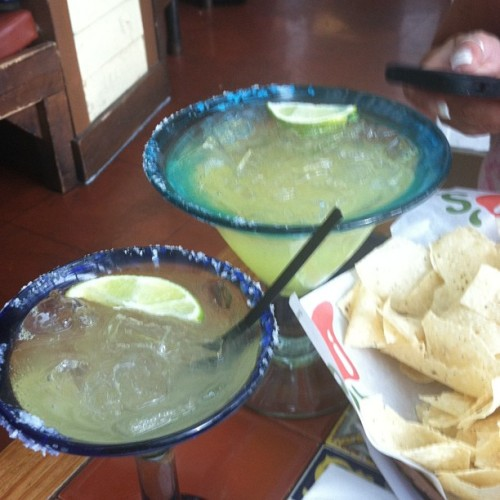 #airportmargaritas (at Chili's Margarita Bar)