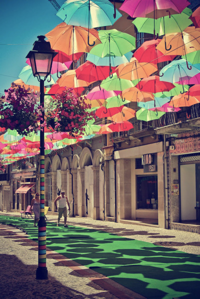 tinynomad:  Umbrella StreetPortugal