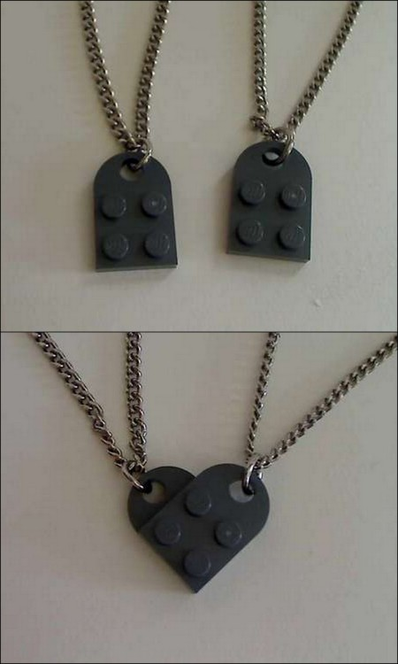 Awesome Lego heart necklace… found here: http://sonhae.tumblr.com/post/40380570494