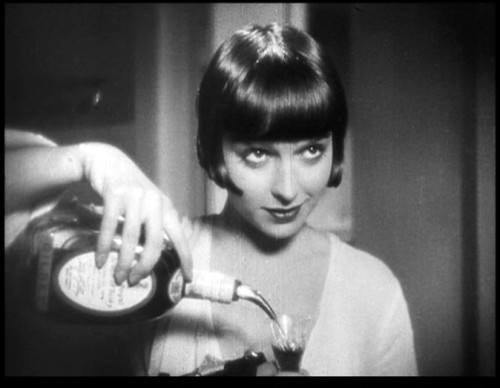 the saucy pour, louise brooks