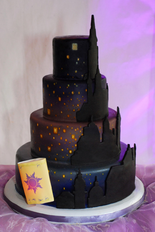 disneycakes:  Disney Tangled Wedding Cake (by Sweet Fix)