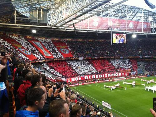 myoldmansaid:  Benfica fans display at the Europa League Final (UEFA Cup) against Chelsea in Amsterdam.
