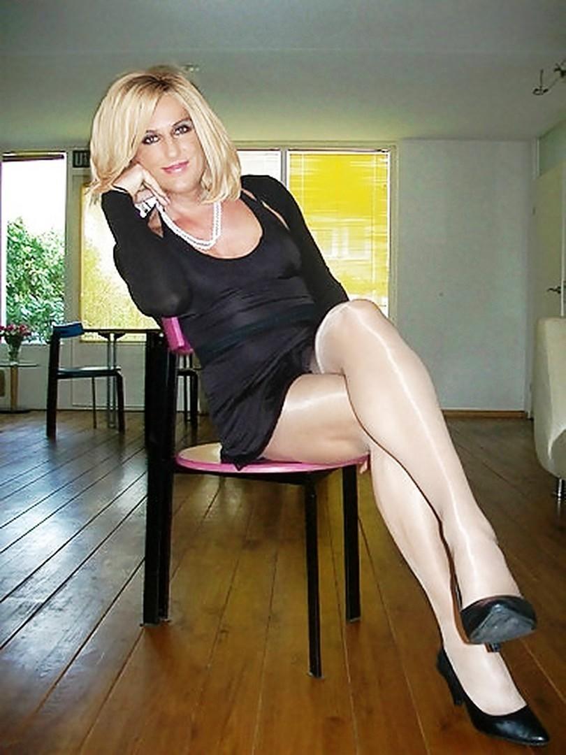 i need a dominatrix,femdom stockings,dominatrix prison