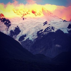 #mountcook #moubtain #tourist #destination #getaway #summer #escape #instravel #kiwi #newzealand #nz #weather #snow #thick #sunset #amazing #heaven #serene #peace #beautiful #igers #ig23