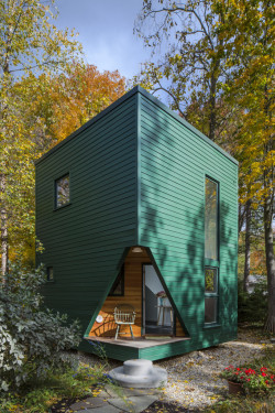Delightful Writer's Studio and Guest House in Lakeside, Michigan
