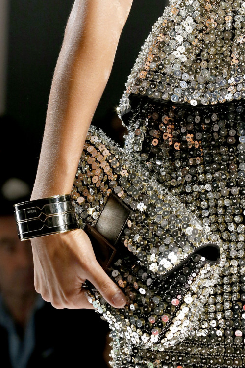 neubauter:  details at fendi s/s 2013