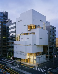 F-Town Building Architects:Atelier Hitoshi Abe Location/Year:Sendai, Miyagi, Japan. 2007 Picture: Daici Ano