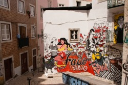 pixaroundtheworld:  Painted wall in Lisboa, May 2012 Copyright stephane otin