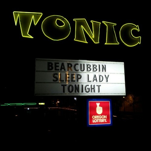 slendermanisbehindyou:  Bearcubbin'! (at Tonic Lounge)  This was an awesome show!!  Thanks to all who came