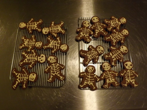 Gingerdead men are done (and delicious)!