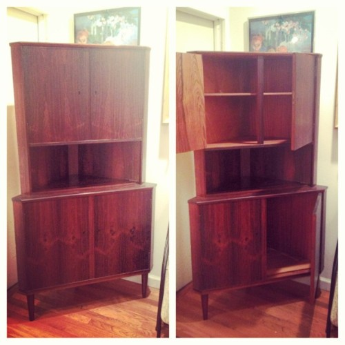 Gorgeous rosewood veneered #midcentury corner cabinet, a few dings, needs key made (easy fix) $250 as/is #mcm #midmod #vintage #furniture #madmen #60s #furnishings #interiordesign #design #retro #secondhand  (at Era Atomica)