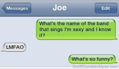 tactical-facepalm:  Funny Text Messages – Autocorrect Fail – Who Sings that Songhttp://tactical-facepalm.tumblr.com/