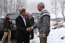 U.S. Secretary of State John Kerry is greeted by Swedish Foreign Minister Carl Bildt upon arriving at a working dinner with Arctic Council Ministers in Kiruna, Sweden, on May 14, 2013. [State Department photo/ Public Domain]