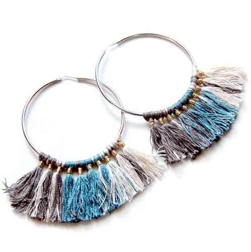 DIY Wire Wrapped Threaded Tassel Earrings Tutorial from Design Thrift here. I don't post that many earring tutorials because you can buy them so cheaply. But this tutorial is cheap and easy and the finished earrings are beautiful. TIP: this tutorial uses the Larks Head Knot which you can find on my blog here or here.