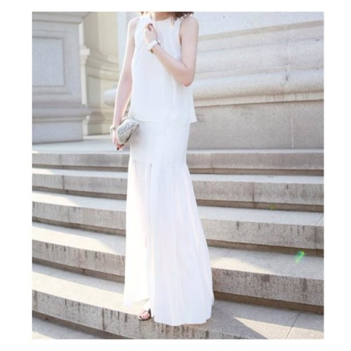 helloparry:  Shop this prefect white dress now at www.helloparry.com #white#dress#helloparry (at www.helloparry.com)