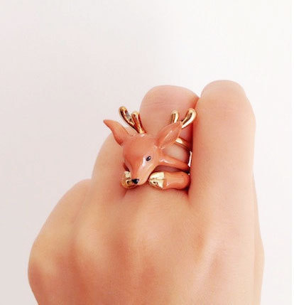 mymodernmet:  3-Piece Rings Worn Together Become Playful Animals