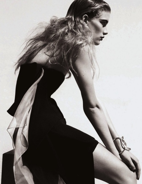 """Solar Power,"" featuring Ilse de Boer, photographed by Marcus Ohlsson for Elle U.K. (June 2013)."