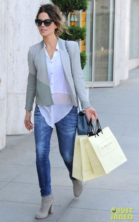 SPOTLIGHT Kate Beckinsale in London wearing our Resort 2013 Warped Suiting Blazer and Pre-Fall 2012 Element Shirt.