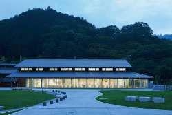 The beautiful, new 599 Mt. Takao Museum.More: http://www.spoon-tamago.com/2016/01/21/mt-takao-599-museum/