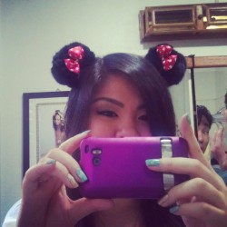 My new ears :) #selfie #ispysomeoneinthebackground #disneylandready