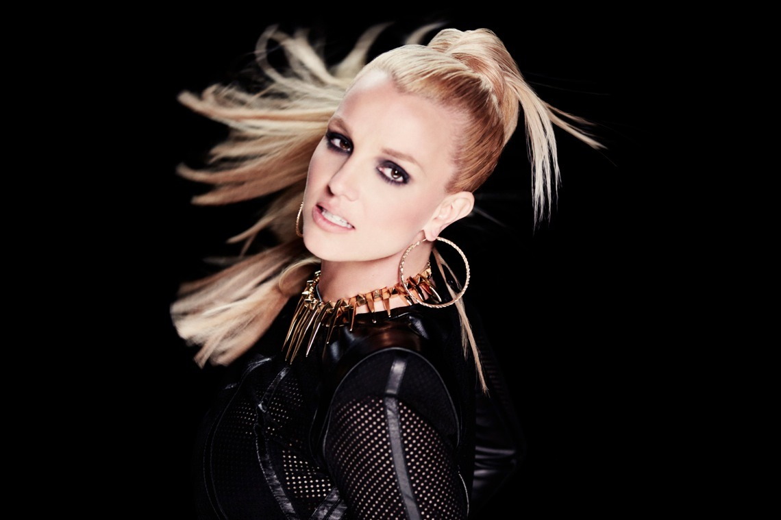 britneyspears:  2 Days. #ScreamAndShoutRemixVideo   I love this fierce bitch