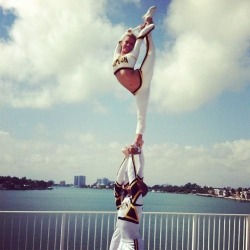 mybowismytiara:  I'm in love with this top gun uni