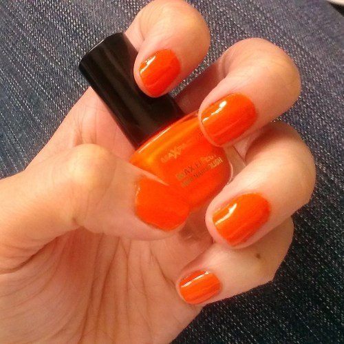 Orange Nails! Max Factor Max Effect Mini Nail Polish in Bright Orange.