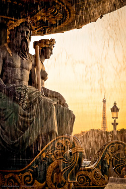 evocativesynthesis:  Welcome Paris (by Marc Benslahdine)