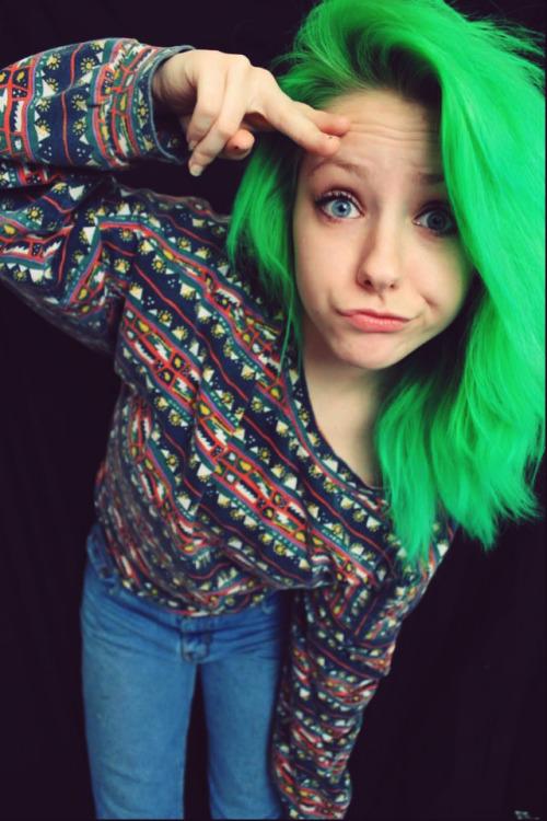Hair Cute Hipster Cute Girl Colored Hair Dyed Hair Hairstyle Emo Scene Scene Girl Scene Hair Emo Girl Green Hair Emo Hair Cute Hairstyle Lovescenehair