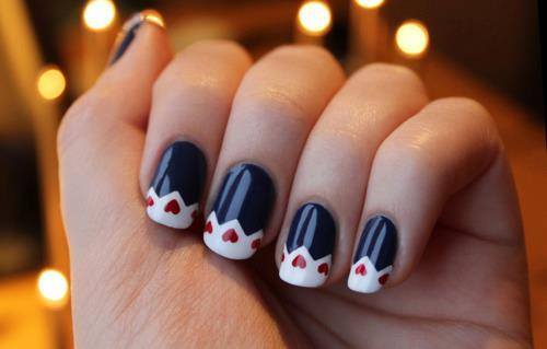 lovelyaiden:  This is a super cute nail design. I think it looks really good the way this person did the tips.  It's more of a Queen of Hearts style but it definitely could work for Valentine's Day. (: -LovelyAiden