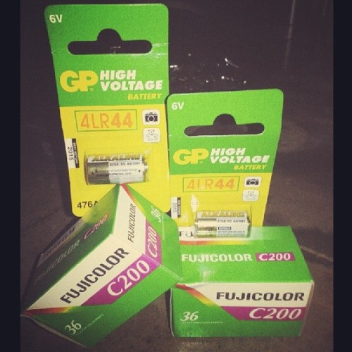 Supply for next hunt… thanks @mainkamera for fast respond!! #film #35mm #battery #canonAE1