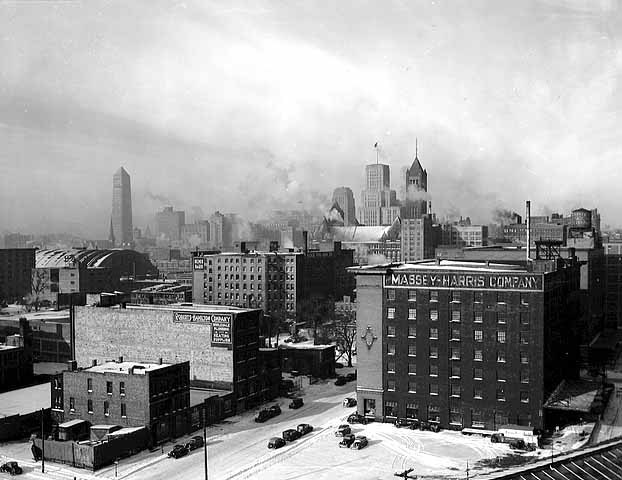 stuffaboutminneapolis:  Downtown skyline, Minneapolis (1938)  via Minnesota Historical Society