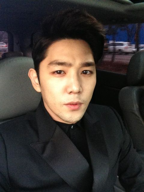 mysilentmemory:  @Himsenkangin:  Kangin's tweet: Went and came back from my friend's wedding ㅋㅋhe was a classmate from my high school but i've seen the groom and bride date since high school and now that they are getting married(,) enviousㅜㅜ  (c)@teukables
