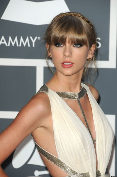 A Goddess at a red carpet.. Taylor Swift..