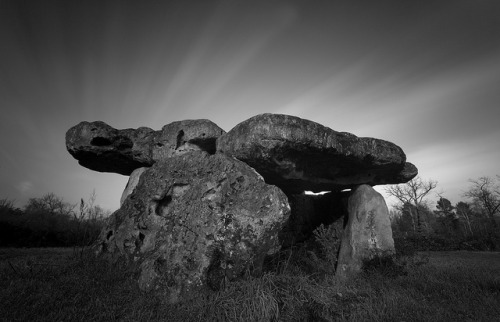 Dolmen de Garde-Epée in Saint-Brice by Wilfried.B on Flickr.