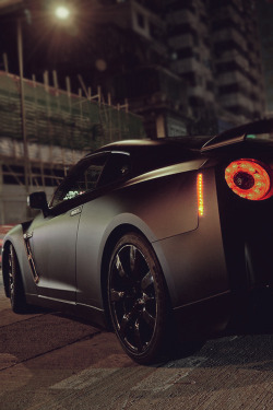 johnny-escobar:  Matte Black GT-R