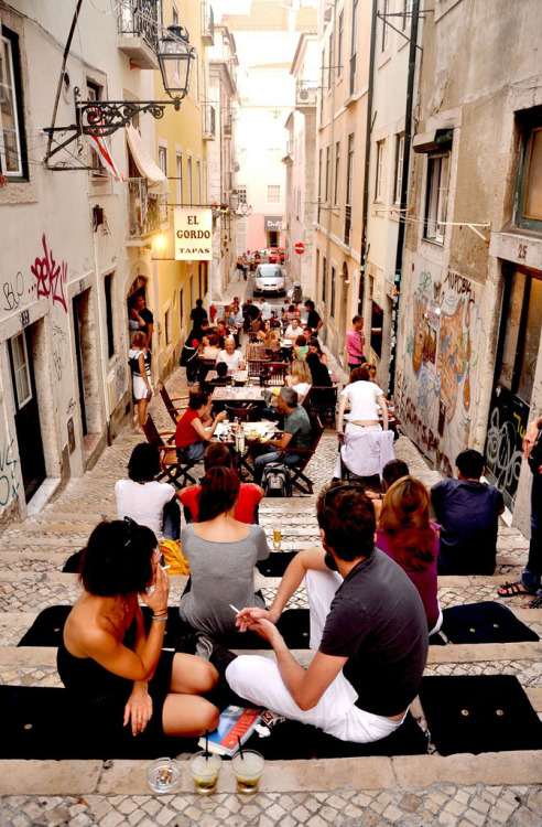 ysvoice:  mylxlisboa:  Bairro Alto | Lisboa  They know how to party.