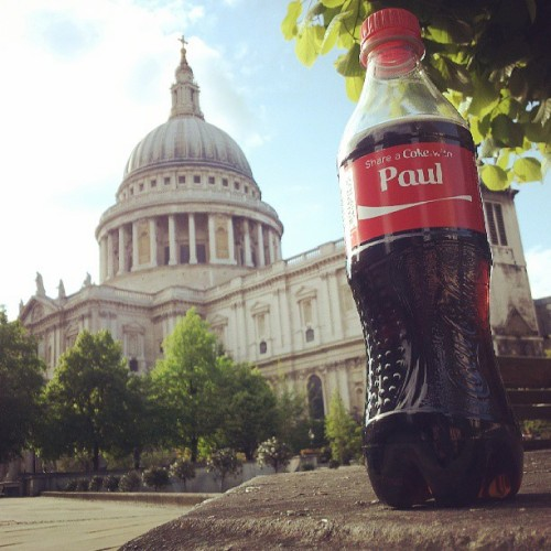Spent the afternoon sharing a Coke with St Paul. #Coke #shareacokewith #StPauls #Paul #London #CocaCola  (at St Paul's Cathedral)