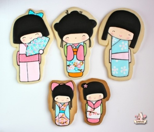"chipcococafe:  Kokeshi Decorated Cookies by Sweetopia  ""So what are kokeshi? According to Wikipedia:  ""Kokeshi (こけし kokeshi), are Japanese dolls, originally from northern Japan. They are handmade from wood, have a simple trunk and an enlarged head with a few thin, painted lines to define the face. The body has a floral design painted in red, black, and sometimes yellow, and covered with a layer of wax. One characteristic of kokeshi dolls is their lack of arms or legs. The bottom is marked with the signature of the artist."" I've been seeing them around everywhere, and am drawn to their cuteness, or as I've recently learned, how 'kawaii' they are. (Kawaii means cute in Japanese)."""