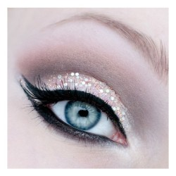 gisemiko99:  Eye makeup   ❤ liked on Polyvore