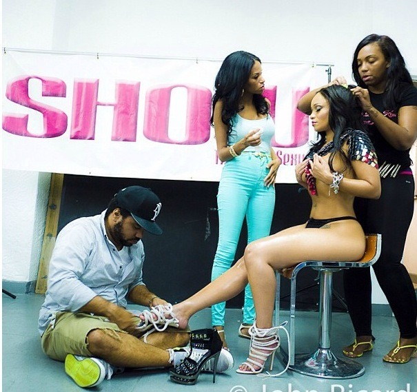 Tahiry behind the scenes